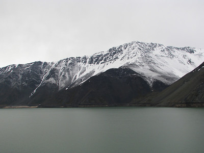 Yeso Reservoir. The snow is over.