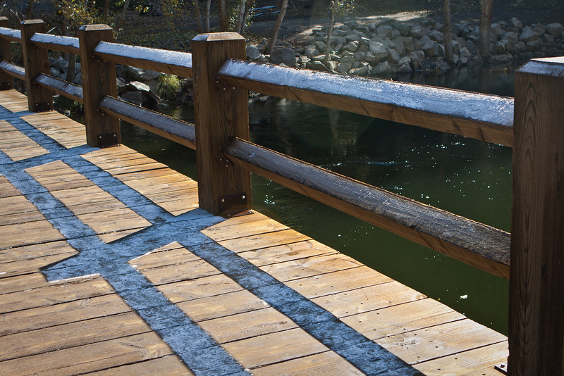 Interesting effect. The morning sunlight instantly melts frost on the bridge. Where there is shadow, there is frost.