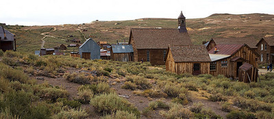 This is Bodie State Historic Park. Bodie is a ghost town not far north from Mono Lake. It used to be a gold mining town. We stayed for about an hour. It was very cold and it started raining during our brief visit.