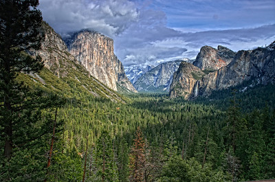 Magical Yosemite view from Tunnel view