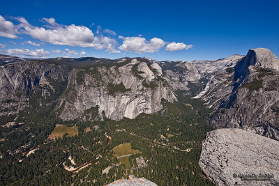 The view from Glacier Point, left to right: Yosemite Valley, Tenaya Canyon, Half Dome.  Yosemite National Park, California, U.S.A.