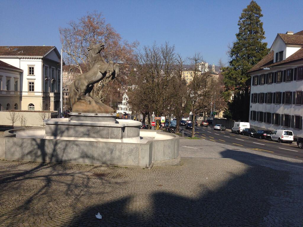 Zürich, am Kunsthaus