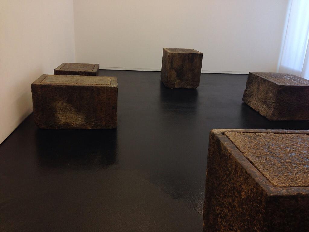 Beuys: Olivestone