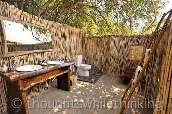 Kuyenda Bush Camp. The best bush camp en suite facilities.