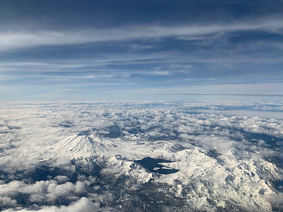 Mount St Helens, the volcano that exploded i 1980, situated between Seattle and LA.