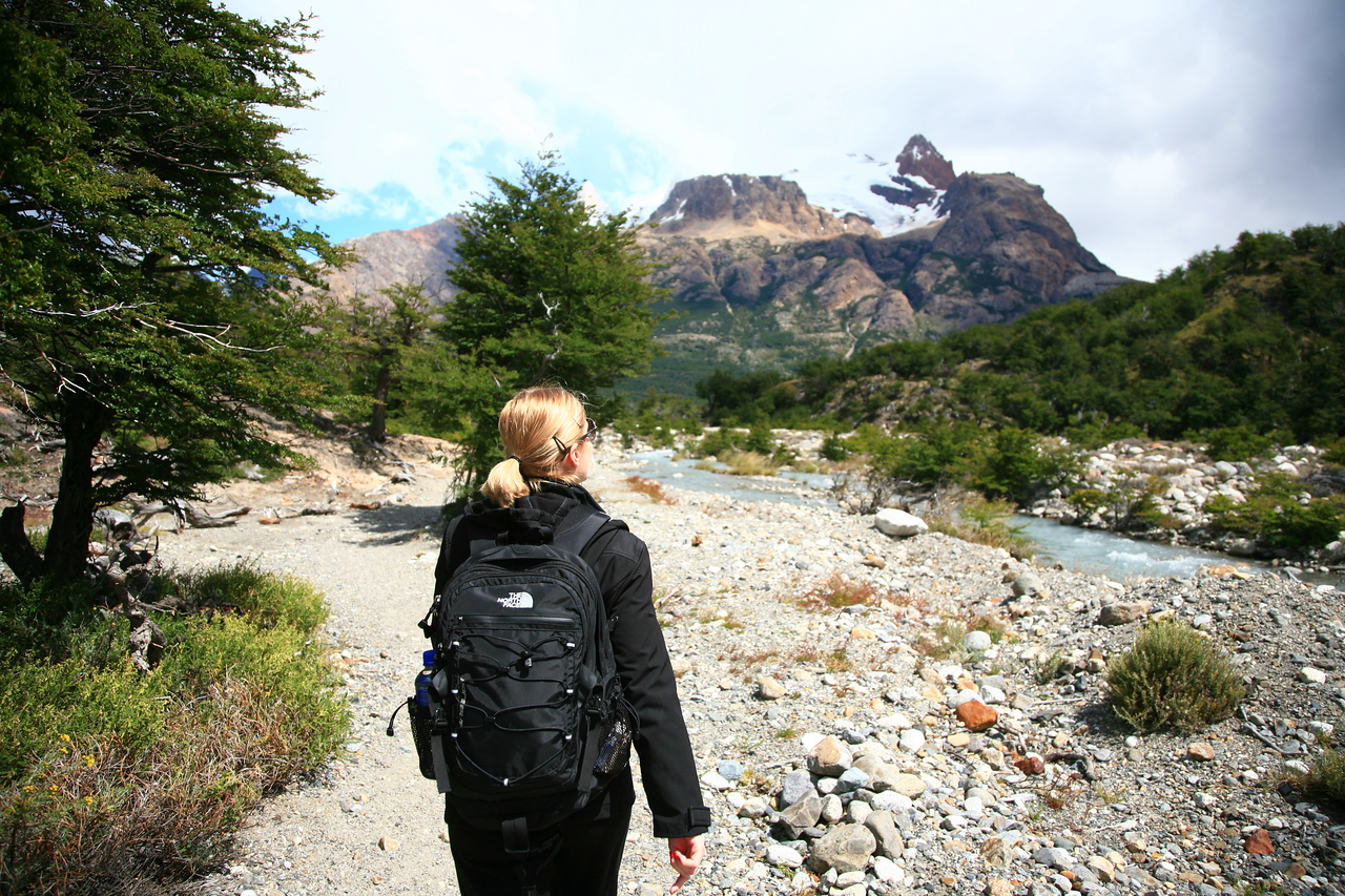 Starting out on our 12-mi roundtrip hike to Laguna de los Tres.