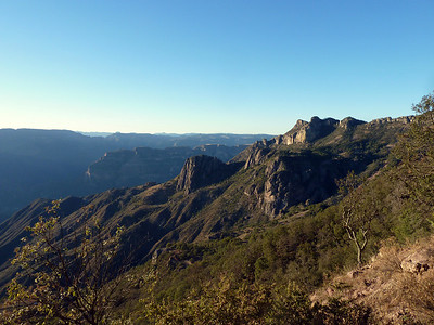 OMG look at these canyons!