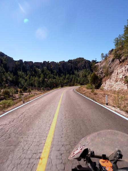 Look at those cliffs/mesa!