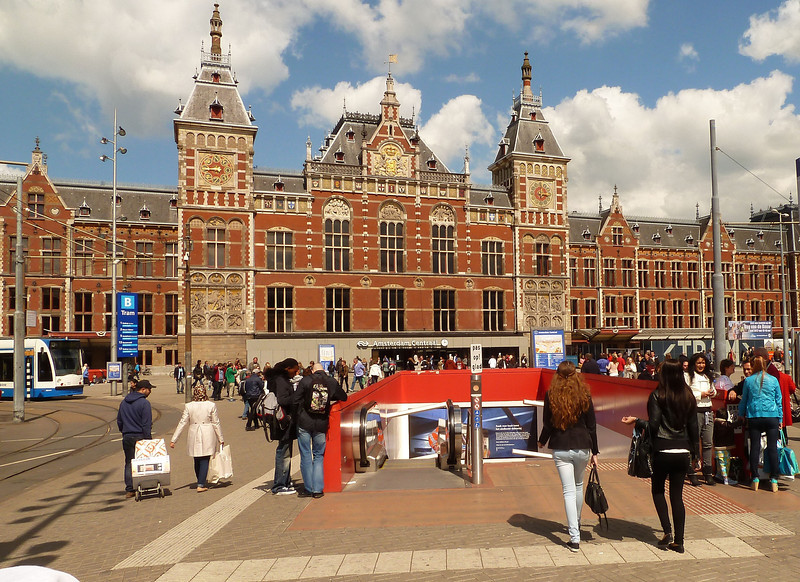 Right off the bat, we realized we weren't in Italy anymore, especially the Italian Riviera. Central Station in Amsterdam is hustle, bustle, and beautiful.