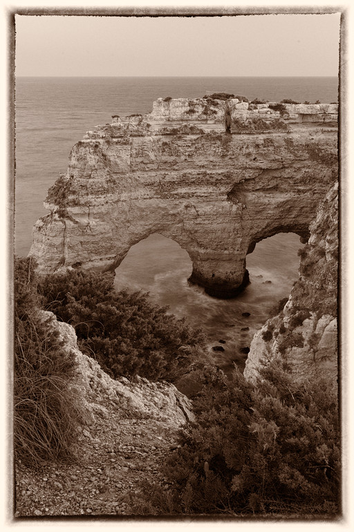Old Algarve Portugal Heart by Messagez com