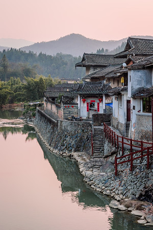 An evening scene from the mountains of southeastern Fujian, China.
