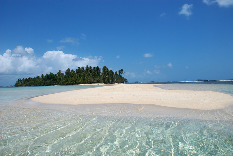 a pristine deserted tropical island in the San Blas islands of Panama