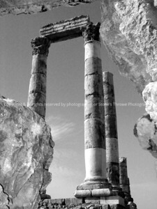031-ruins-citadel_jordan-11jan04-bw-0001