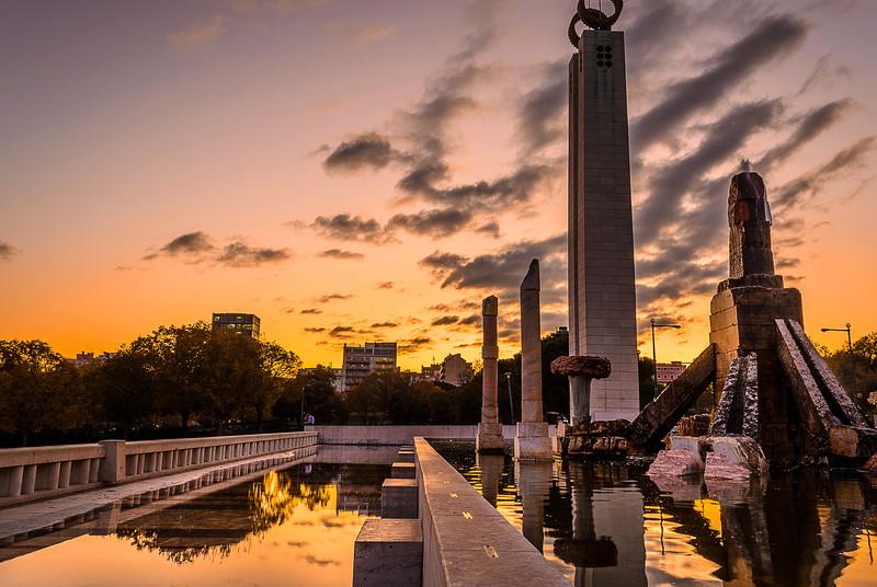 Eduardo VII Park Sunset Reflection Image By Messagez.com