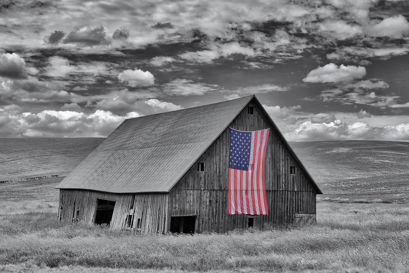 Barn with American flag near Palouse, Eastern Washington