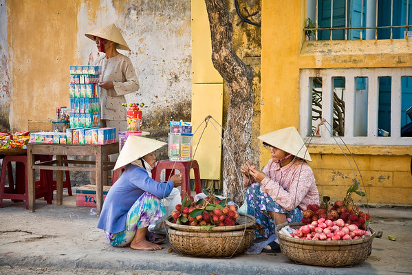 Street sellers in Hoi An, Vietnam