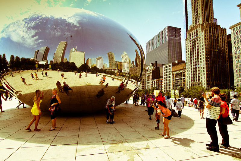 Chicago, IL: Cloud Gate sculpture in Millennium Park.