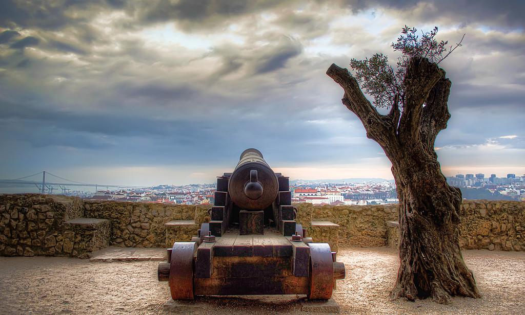 Lisbon Castle Canon By Messagez.com