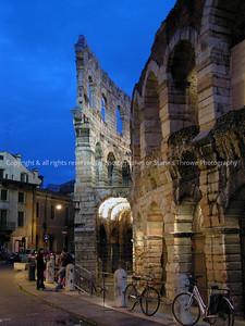 025-ruins-verona_italy-28dec04-1406