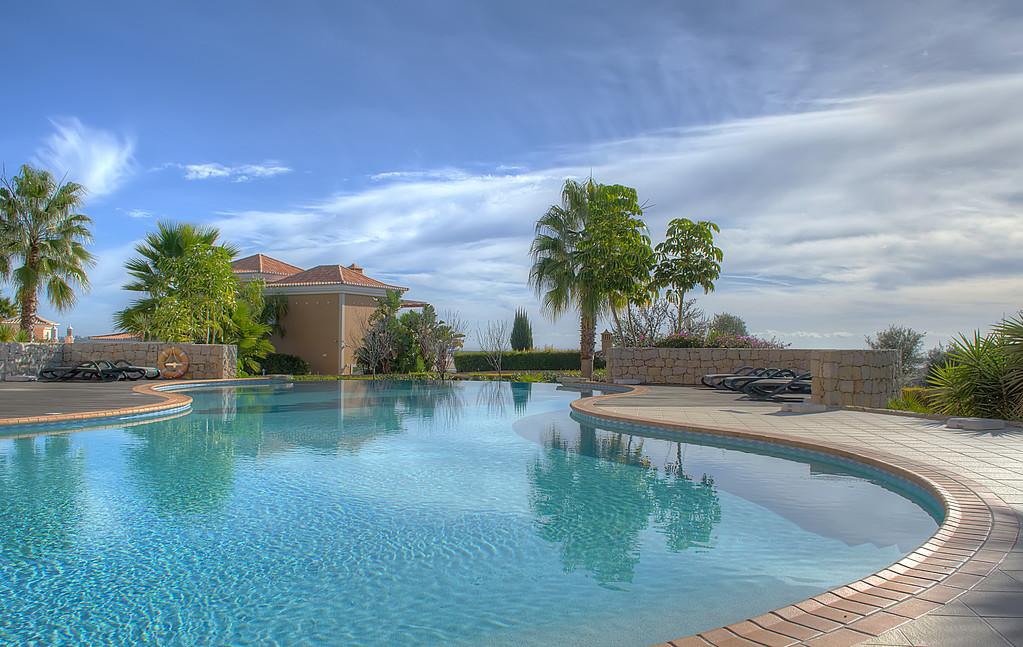 Algarve Lagos Pool Image By Messagez.com
