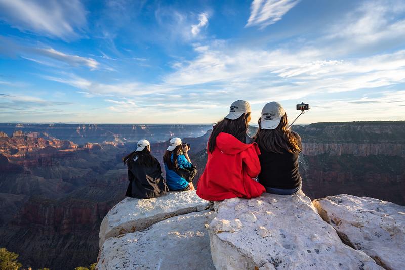 Grand Canyon Tourists