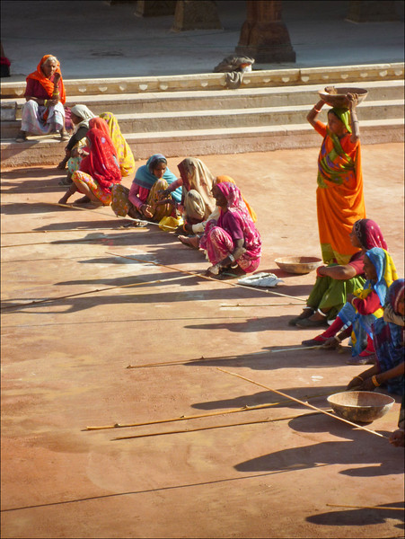 Women restoring Amer Fort, Jaipur India