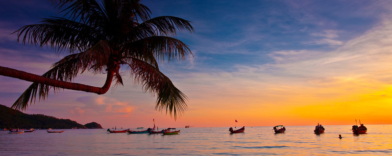 Sunset on a Kho Tao beach