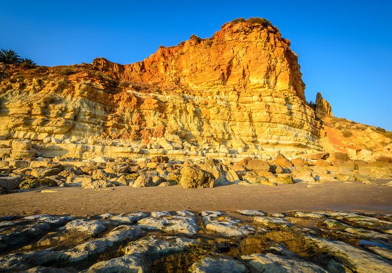 Algarve Coast Tones Image By Messagez.com