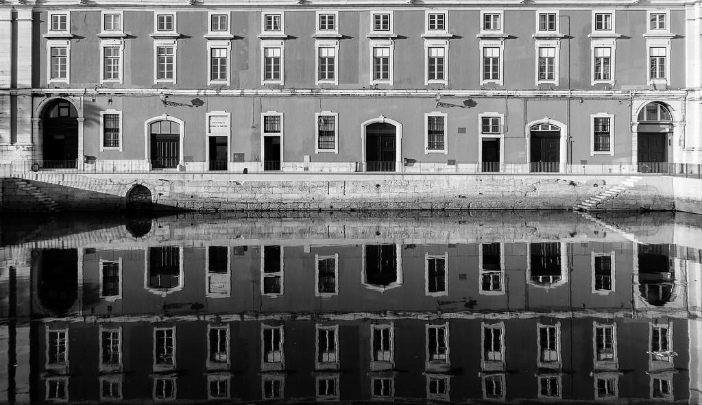 Lisbon City Center Reflection Photography By Messagez com