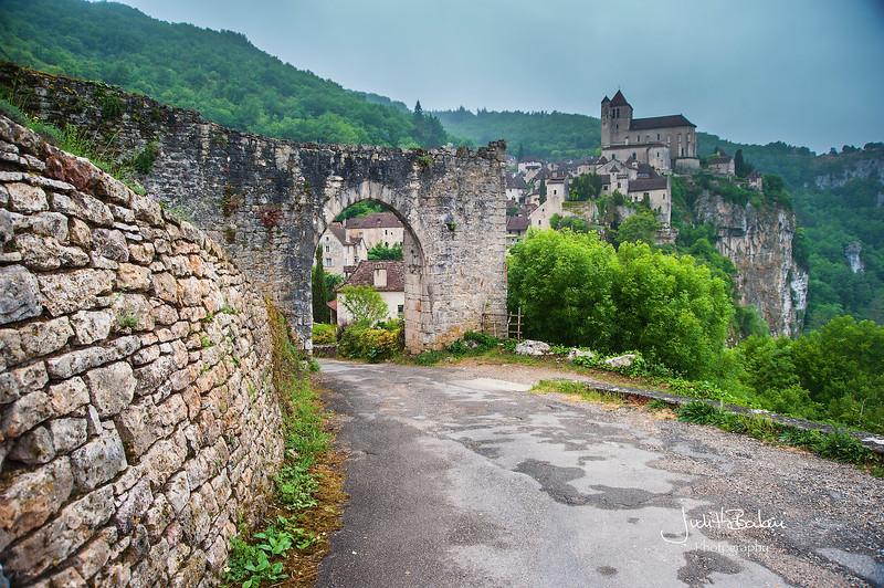 Saint Cirq - Lapopie, France