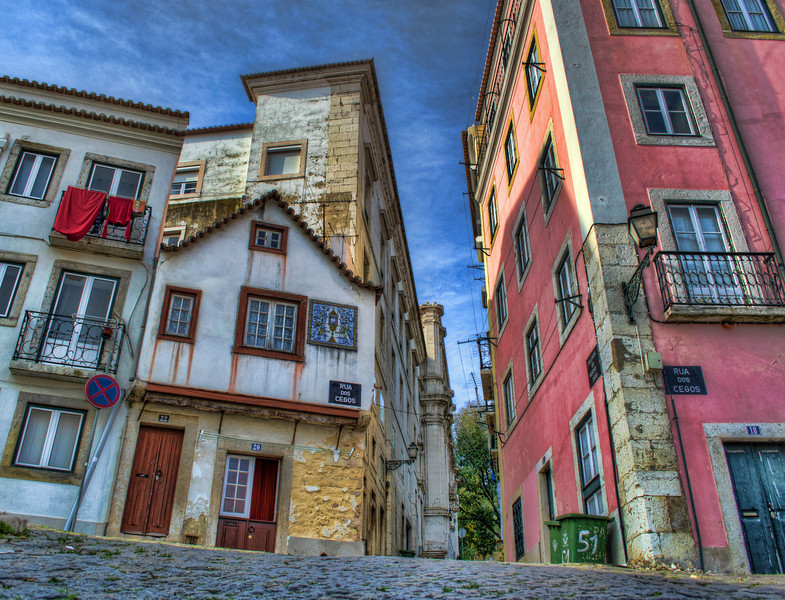Lisbon Colors in Graceland By Messagez.com