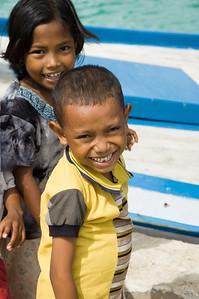 Indonesian children welcoming us to Wakatobi