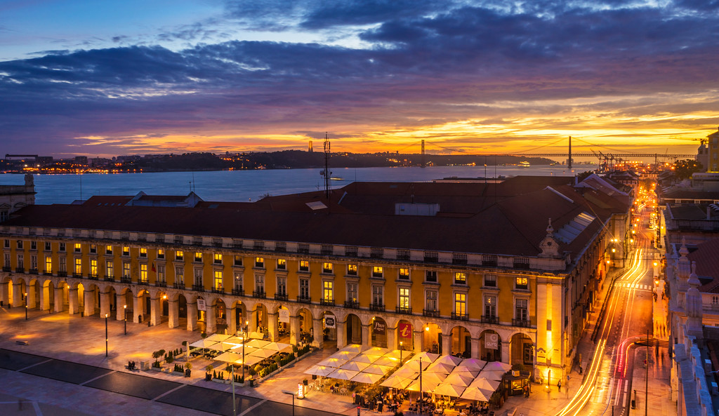 Amazing Lisbon Landscape Light Flow at Sunset Photography By Messagez com