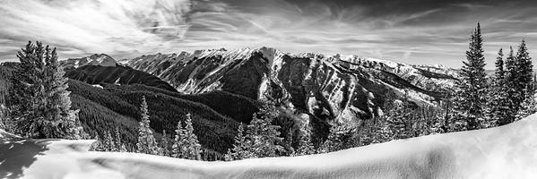 Aspen Highlands snow capped mountain panoramo