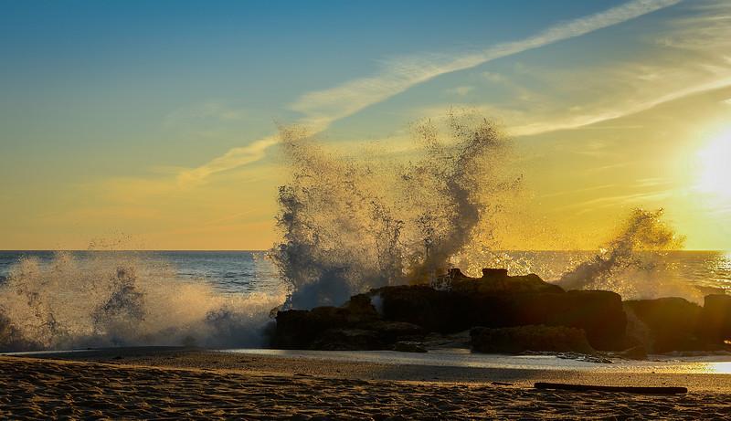 Amazing Algarve Beach Waves Photography 4 By Messagez com