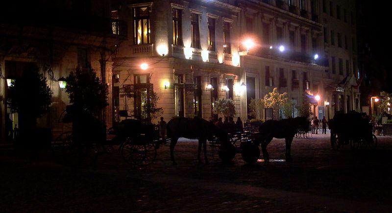 Habana vieja at night