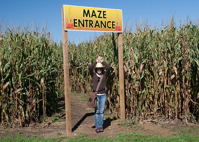 Jaimie at the entrance to the maze ready to begin.