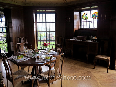 Octagonal dining room and table.