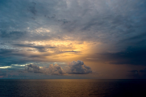 Was lucky enough to be up for a nice sunrise the last morning of our dive trip