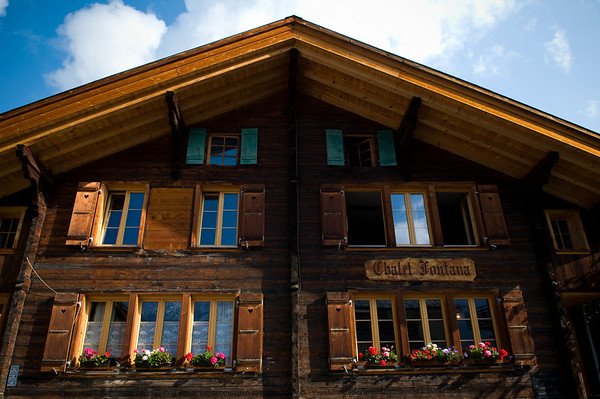 We stayed at the Chalet Fontana, a cozy bed and breakfast located in the middle of the village in Murren