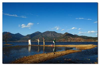 Taking Wedding Pictures in a Beatiful Lake