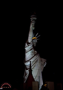 Statue of Liberty in front of New York Hotel