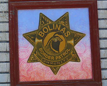 """This painted expression has nothing to do with the southern California/Mexican border and everything to do with keeping Bolinas a """"hidden"""" community, and the community has a reputation for discouraging visitors.  The state stopped erecting directional signs to Bolinas because locals kept tearing them down."""