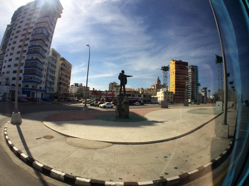 Elian Gonzalas Jose Marti statue - Tribuna Anti-Imperialista