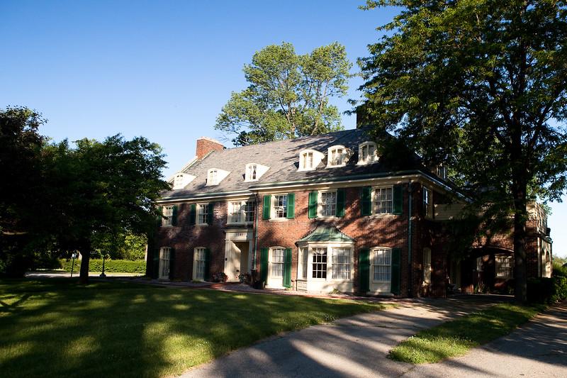 Montegue Inn, Saginaw Michigan