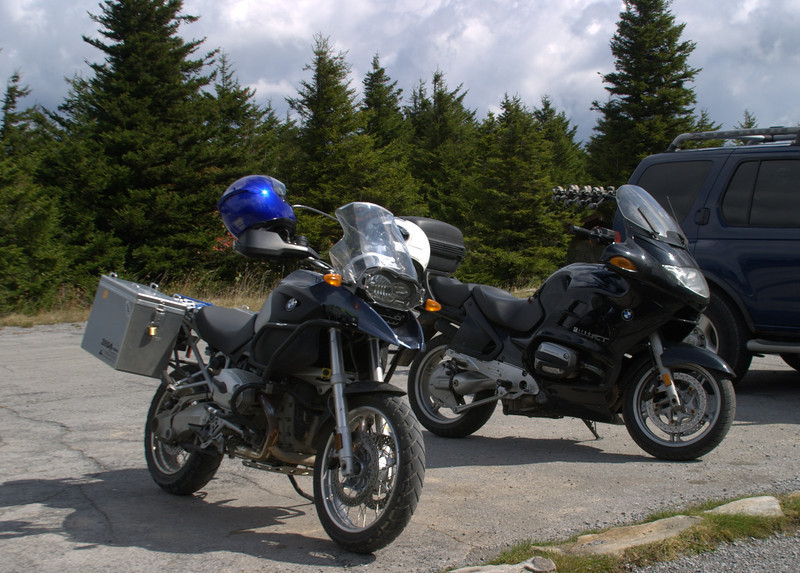 Zbig's R1200GS (l), my R1150RT (r) at Spruce Knob