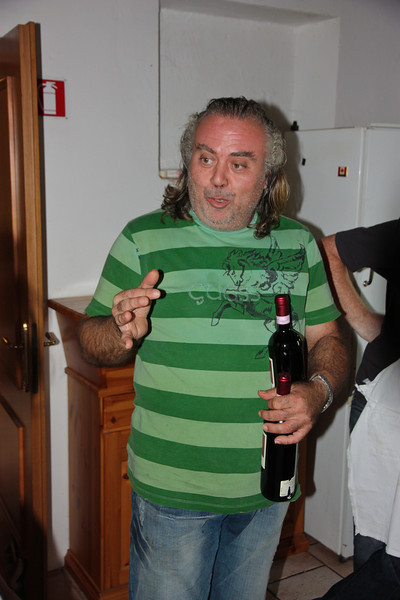 Meanwhile Fulvio was keeping the wine flowing, and telling us about the history of Italian food, local sources of olive oil, how he makes Vin Santo, and other interesting information.