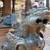 Bhaktupur: sleeping man behind lion guard