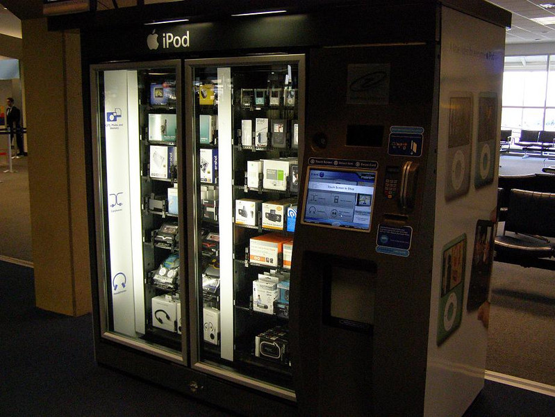 vending machine selling iPods and other electronic devices
