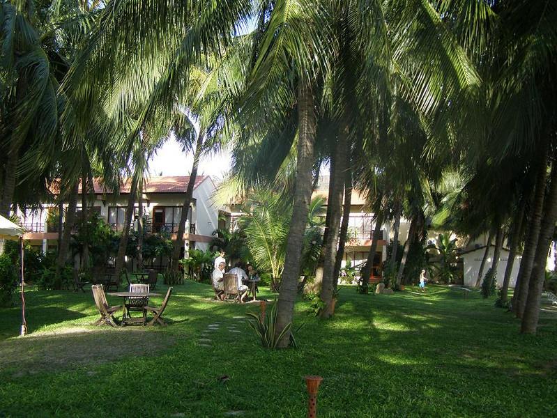 the grounds at the SunShine Resort, Mui Ne